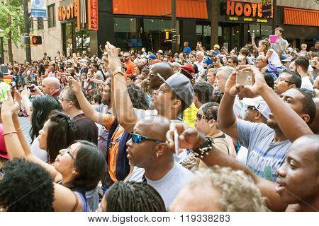 Thousands Of Spectators Watch Atlanta Dragon Con Parade