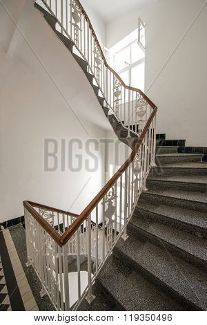 Superb stairs in an lihgt  apartment building