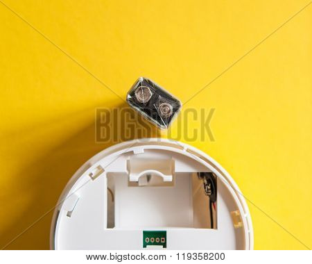 White Smoke Detector With Nine Volt Battery