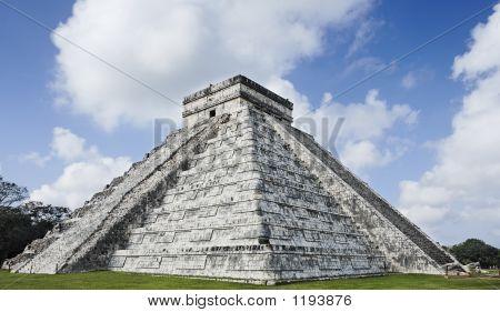 El Castillo de Chichén Itzá