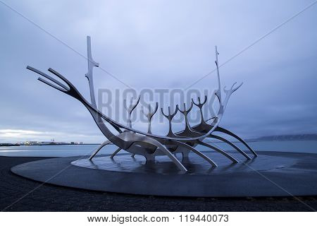 Solfar, The Sun Voyager