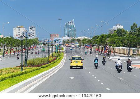 Da Nang, Vietnam - Circa September 2015: Road Traffic And Streets Of Da Nang,  Vietnam