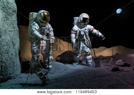 Houston, Tx/usa - Circa July 2013: Astronauts In Space Suits In Lyndon B. Johnson Space Center, Hous