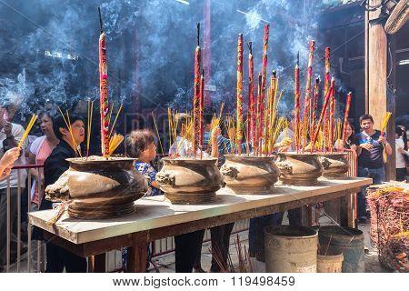Pilgrims to pray for peace incense censer giant