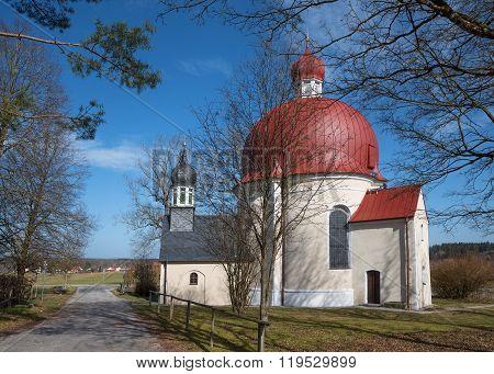 Pilgrimage Chapel Heuwinkl Near Iffeldorf