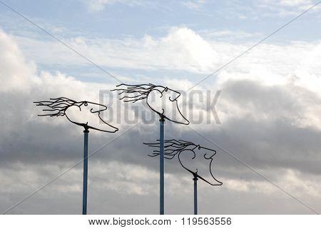 The 3 Heads Of Wilhelmshaven