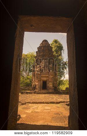 Thailand Isan Surin Ta Muean Thom Temple