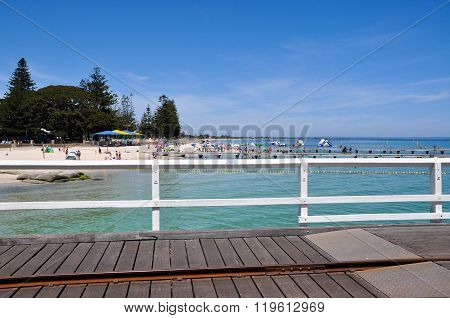 Busselton Jetty: View to Foreshore