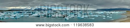Panorama of the Jokulsarlon lagoon