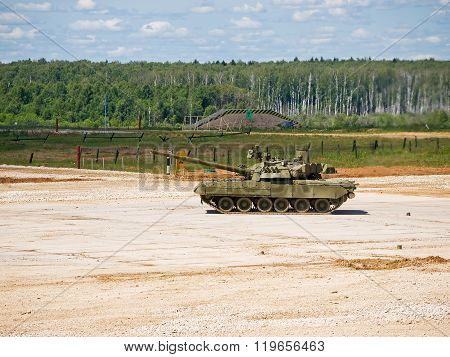 The tank T-80 on the test site area
