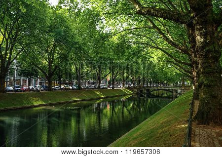 Perspective View Of The Historic Avenue Koenigsallee (king's Avenue), Dusseldorf, Germany