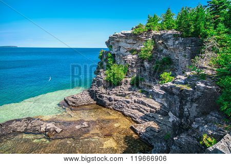 great Cyprus lake tranquil turquoise water at beautiful gorgeous Bruce Peninsula, Ontario