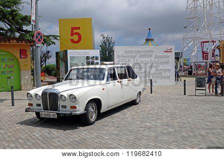 White retro Daimler DS420 limousine
