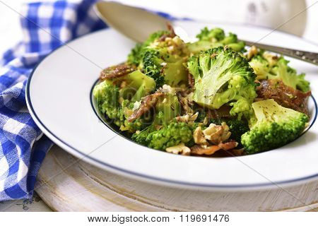 Broccoli With Fried Bacon And Walnuts.