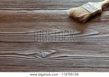 Painting natural wood with paint brush