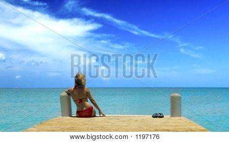 Pretty Girl And The Sea