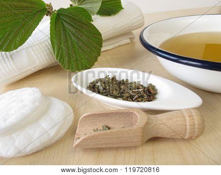 Bathing tea witch hamamelis