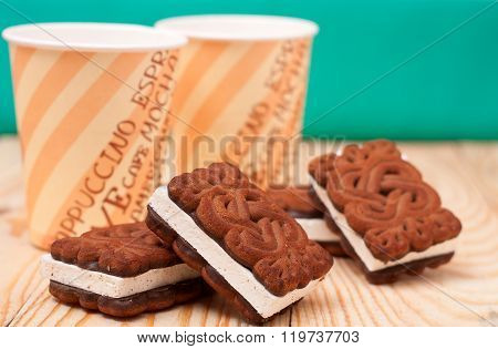 zephyr cookie with tea on wooden background
