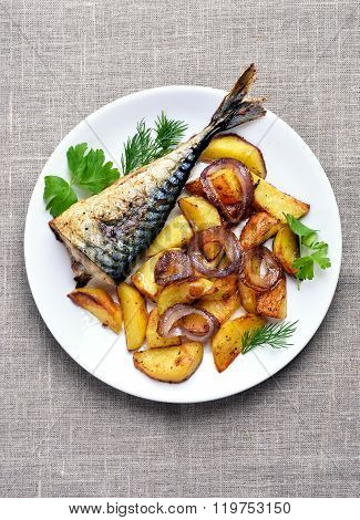 Potato Wedges And Grilled Macarel Fish