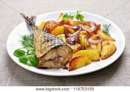 Fried Mackerel Fish With Potato Wedges