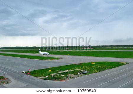 Utair Airline Boeing 737-500 Airplane  In Pulkovo International Airport In Saint-petersburg, Russia