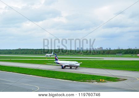 Aeroflot Airlines Airbus A320-214 Aircraft In Pulkovo International Airport In Saint-petersburg