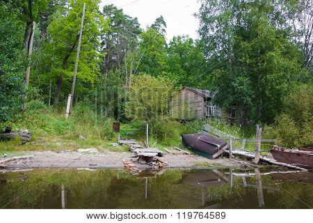 On the shores of the Valaam monks live.