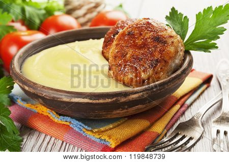 Cutlets And Mashed Potatoes