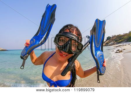 Young Woman With Diving Mask And Flippers.