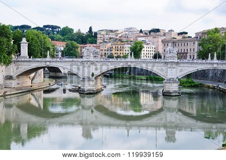 Beautiful Bridges Along The Tiber In Rome