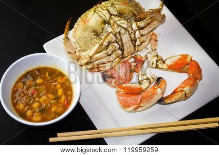 Ready to eat steam cooked crab (Brachyura)