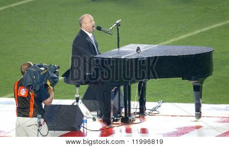 MIAMI - FEBRUARY 4: Singer Billy Joel performs at Super Bowl XLI between the Chicago Bears and the Indianapolis Colts at Dolphin Stadium February 4, 2007 in Miami, Florida.