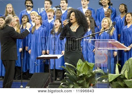 NEW YORK - AUGUST 28: Singer Diana Ross performs during the opening ceremony of the US Open at the USTA Billie Jean King National Tennis Center on August 28, 2006 in Flushing, New York.