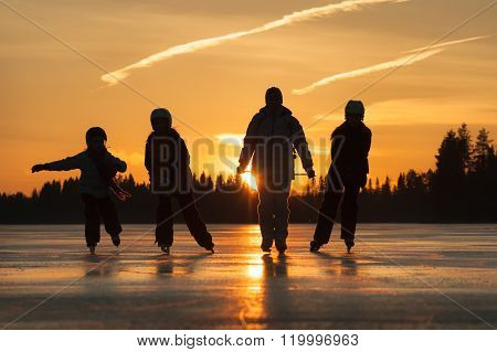 Tour Skating In Winter