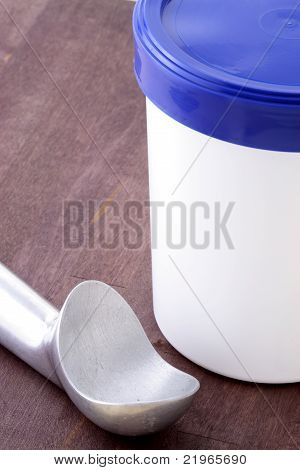 Ice Cream Bucket And Antifreeze Scoop