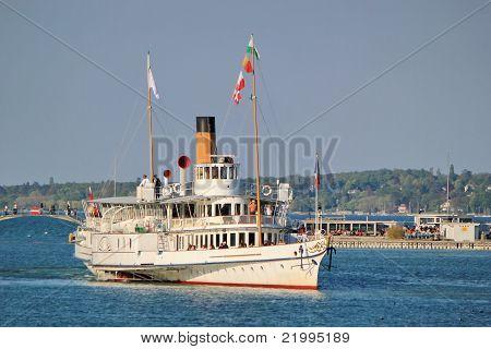 Velho Steamlboat, Genebra, Suíça.