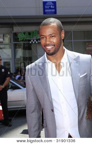 LOS ANGELES - APRIL 7: Isaiah Mustafa arrives at