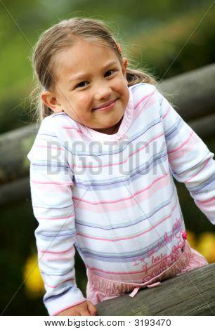Kleine Mädchen Portrait Outdoors