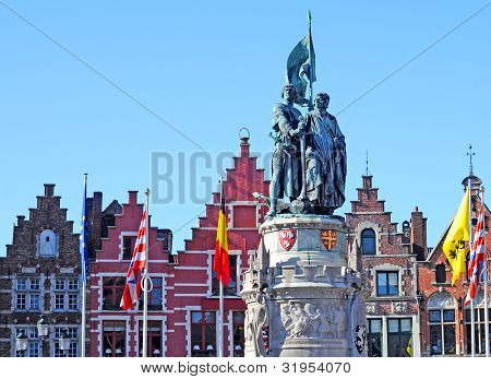 Statue Breydel and De Coninck, Bruges