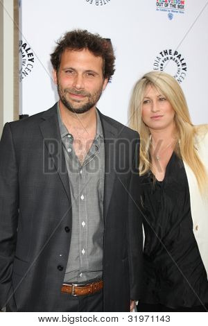 LOS ANGELES - APR 12:  Jeremy Sisto arrives at Warner Brothers