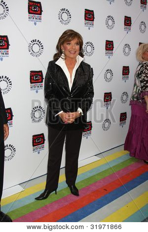 LOS ANGELES - APR 12:  Dawn Wells arrives at Warner Brothers