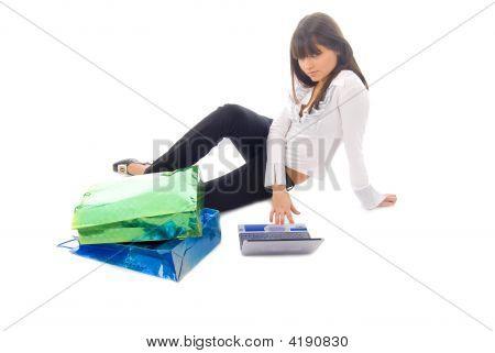 Chica de compra en línea