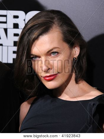 LOS ANGELES - DEC 09:  Milla Jovovich arrives to the