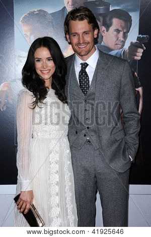 LOS ANGELES - JAN 07:  Abigail Spencer & Josh Pence arrives to the