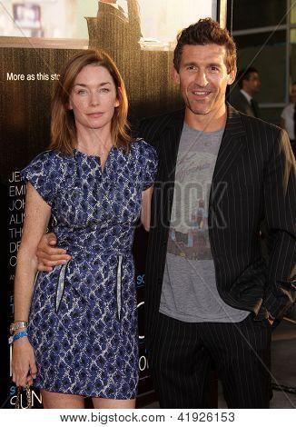 LOS ANGELES - JUN 20:  JULIANNE NICHOLSON & JONATHAN CAKE arriving to HBO's Premiere of