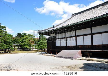 Kyoto, Japão - 27 de outubro: Castelo de Nijo foi construído em 1603 como Kyoto, Japão