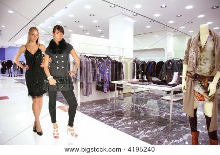 Vrouw In kleren Boutique