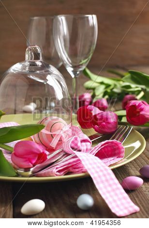 Easter table setting with tulips