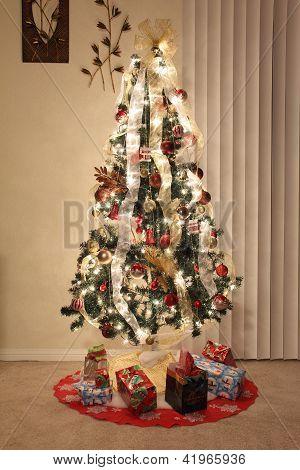 Christmas Tree Lighting And Decorations