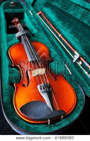 Fiddle With Bow In Green Velvet Box